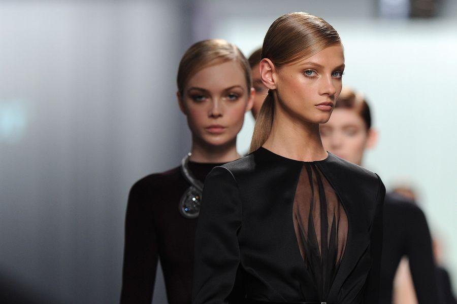 Christian Dior: Runway - Paris Fashion Week Womenswear Fall/Winter 2012 (Bild: Getty Images/Pascal Le Segretain)