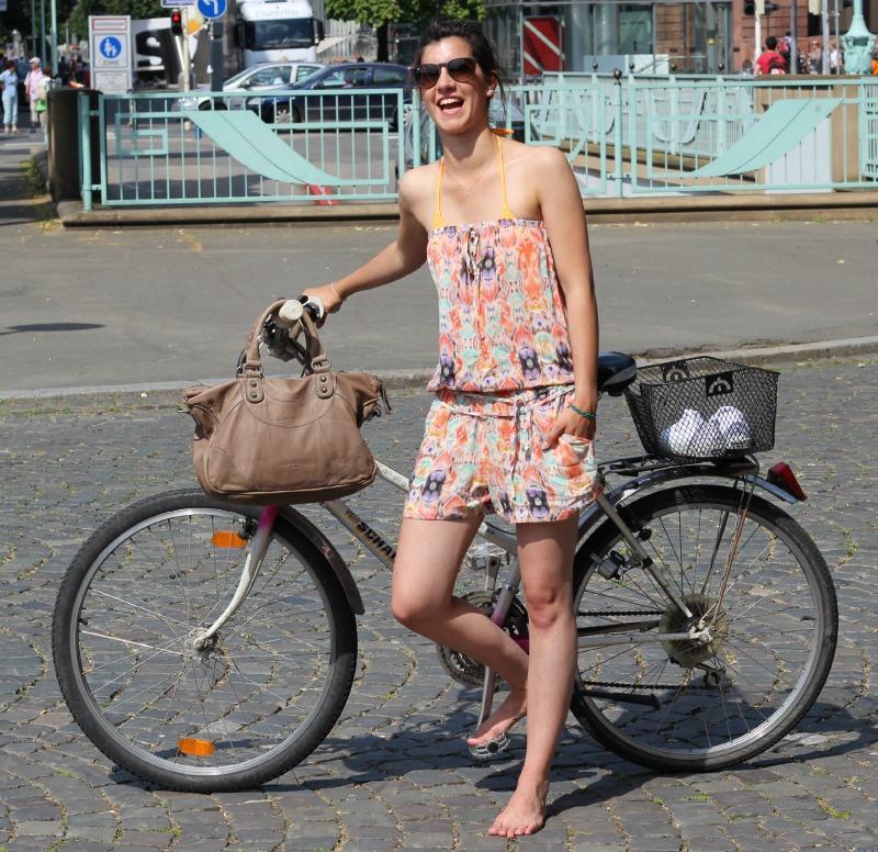 Auf dem Fahrrad in die Stadt