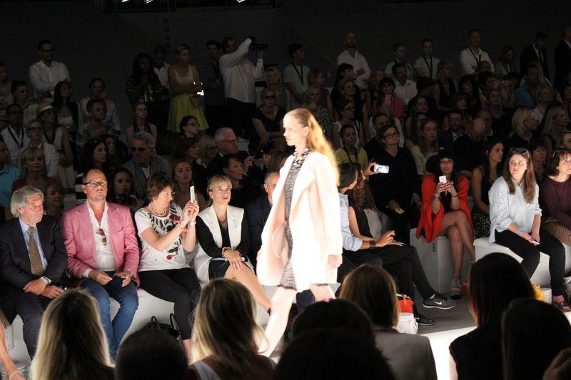 engelhorn Womenswear Chief Buyer Heike Fritz in der Front Row bei Marc Cain