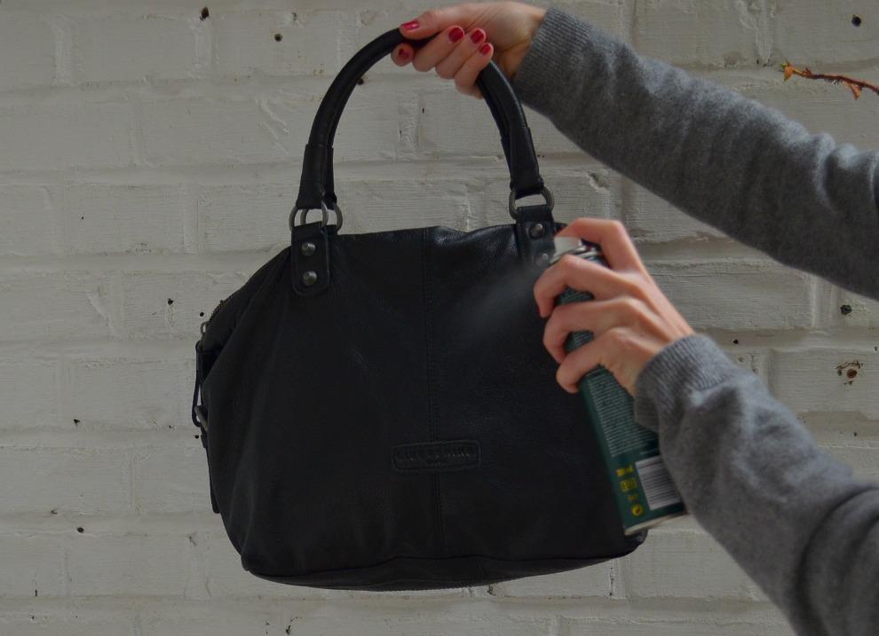 Ledertasche imprägnieren: Taschen draußen imprägnieren