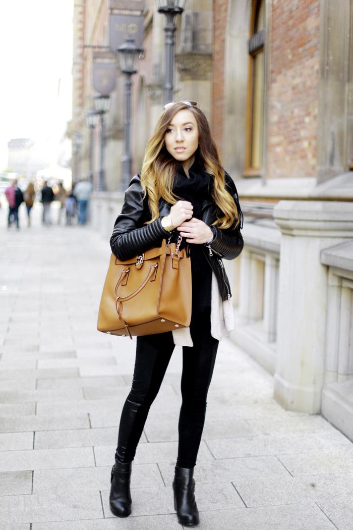 Rebekah mit Michael Kors Bag