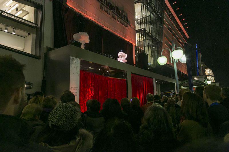 Weihnachtsfenster-Eröffnung bei engelhorn