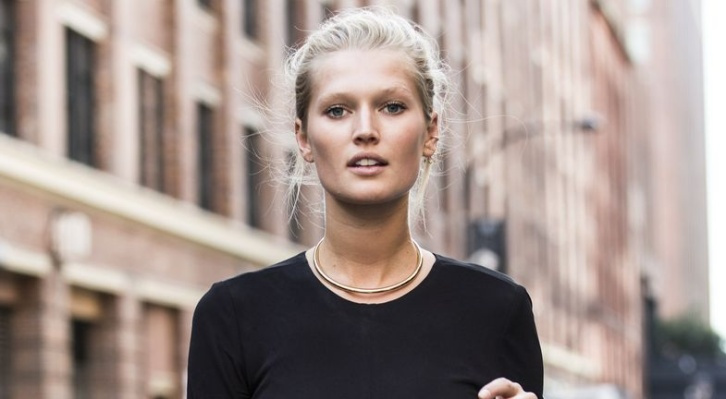 Toni Garrn für ClosedFASHION UP YOUR LIFE.