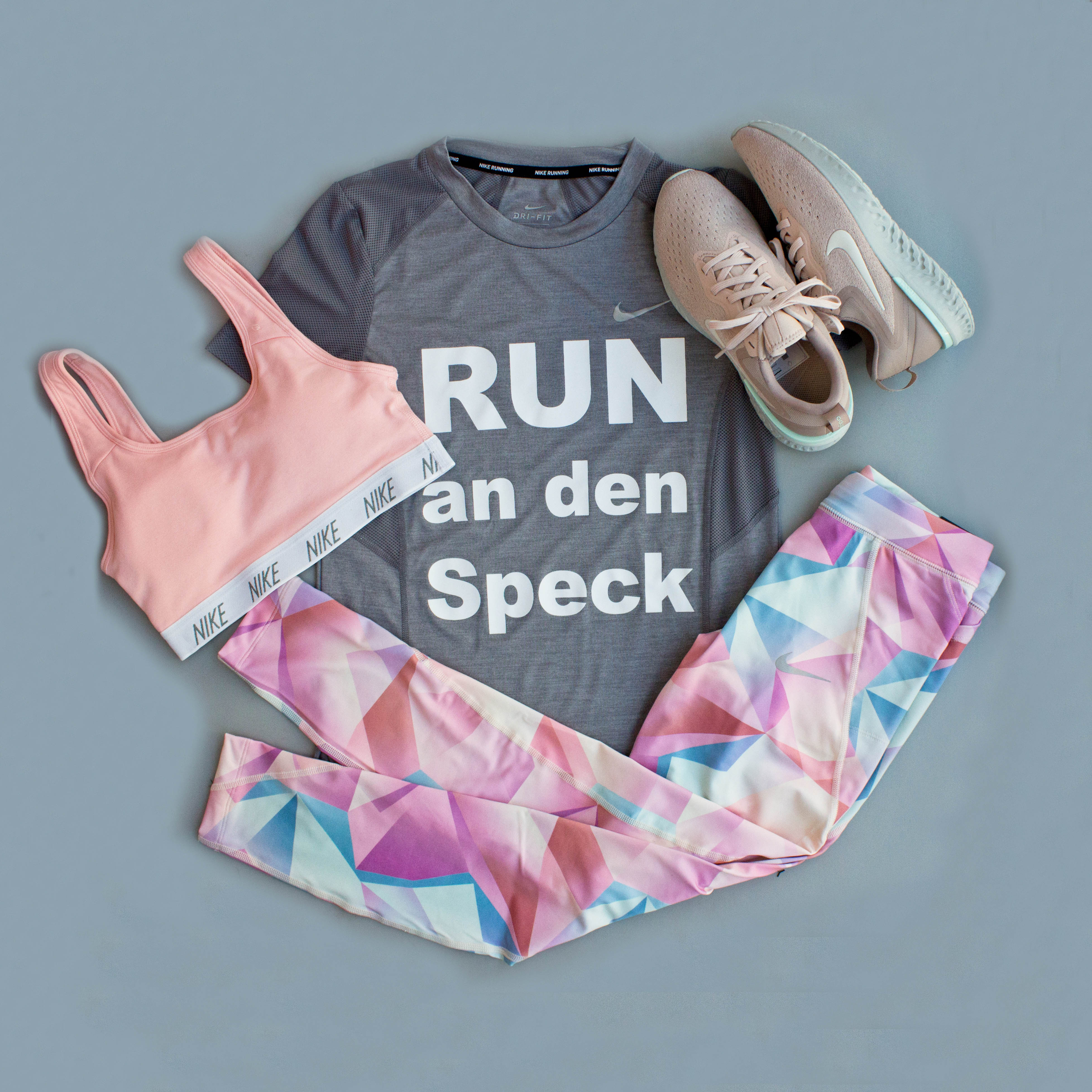low priced 6f69c 3a18f Nike Flatlay Running Outfit