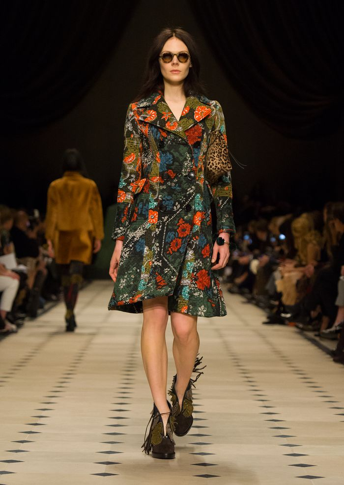 Burberry Womenswear Autumn_Winter 2015 Collection - Look 10
