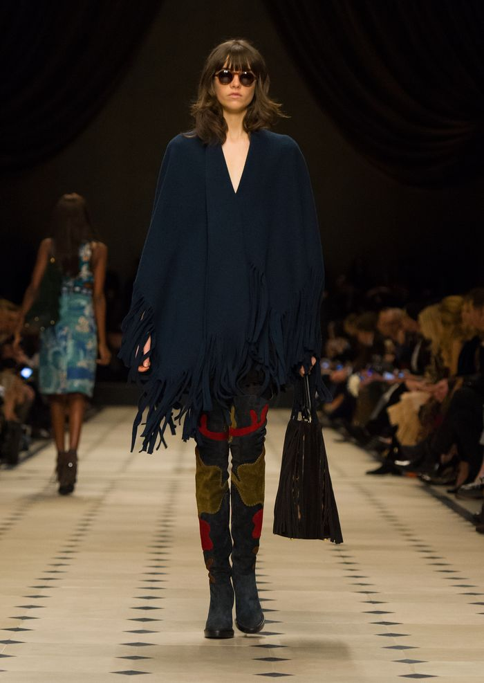 Burberry Womenswear Autumn_Winter 2015 Collection - Look 12