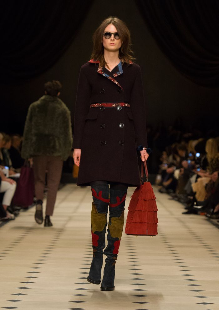 Burberry Womenswear Autumn_Winter 2015 Collection - Look 15