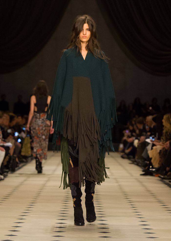 Burberry Womenswear Autumn_Winter 2015 Collection - Look 17