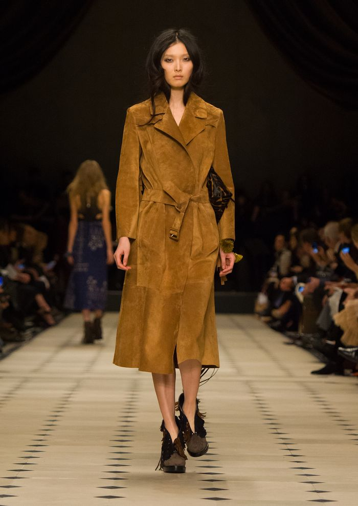 Burberry Womenswear Autumn_Winter 2015 Collection - Look 37