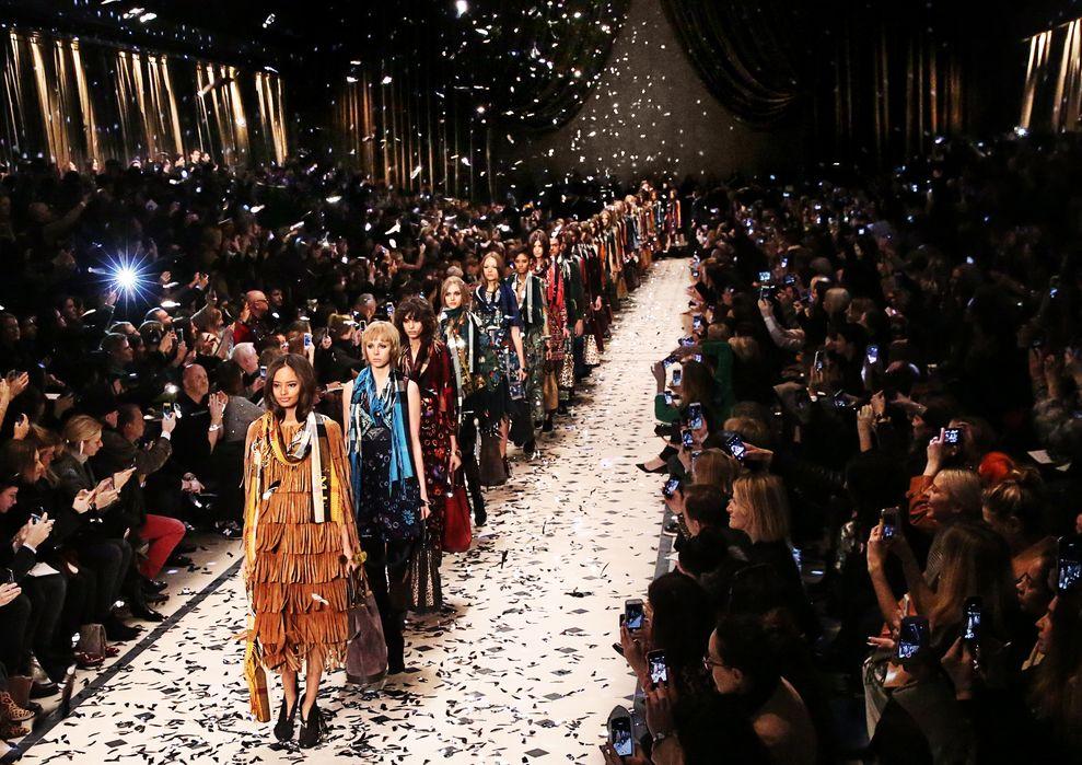 Burberry Womenswear Autumn_Winter 2015 Show Finale-1
