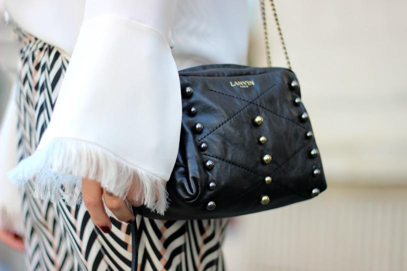 Detail Lavin Tasche und Hose Chloé Bluse
