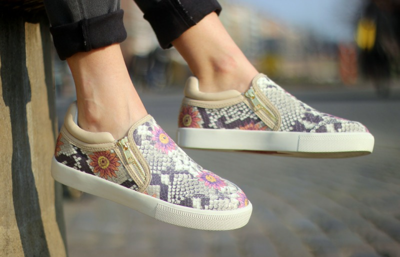 Detail 1_True Religion Jeans_Ash Sneaker