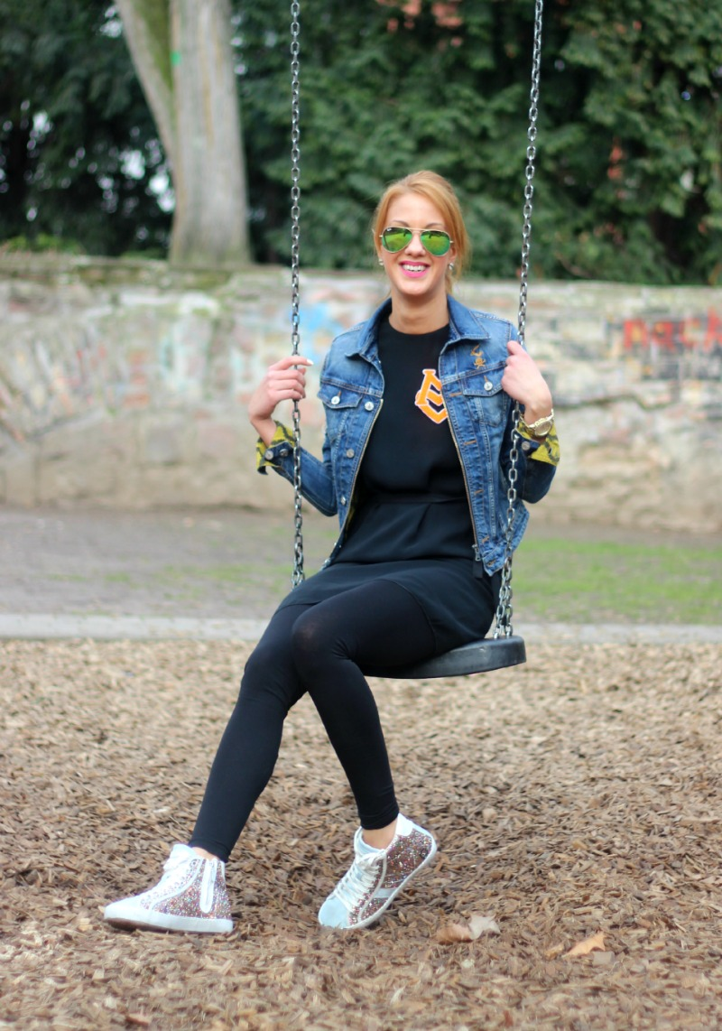 Streetstyle_Ray Ban_Vivienne Westwood_Moschino_DATE