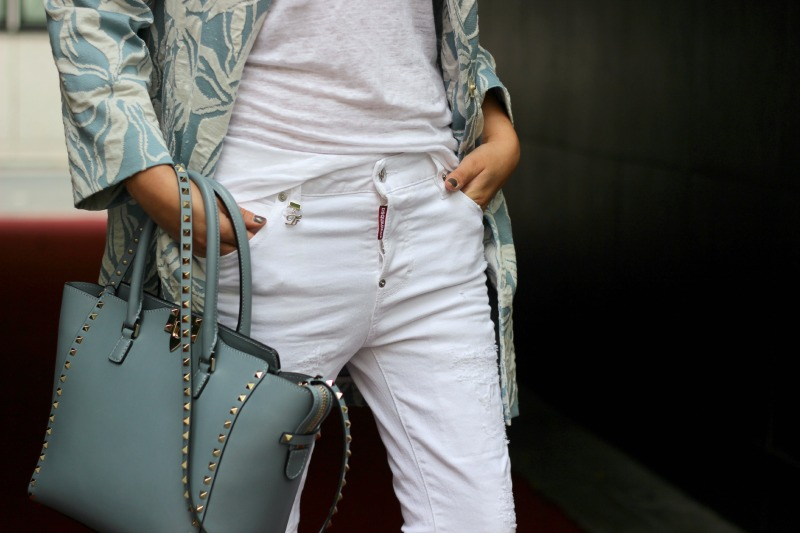 Detail 6_Odeeh Mantel_Dsquared2 Jeans_Valentino Tasche