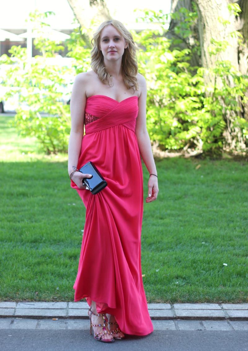 147608791783 Look 1 Langes pinkes Kleid Steve Madden Sandaletten - FASHION UP ...