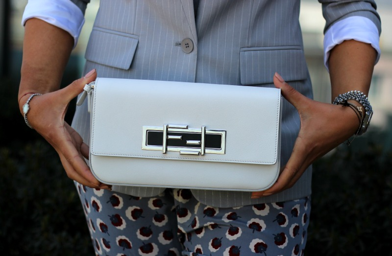 Detail 2_Stella McCartney Blazer Hose_Fendi Tasche