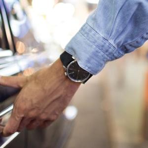 Komono – Schöne Uhren aus Belgien