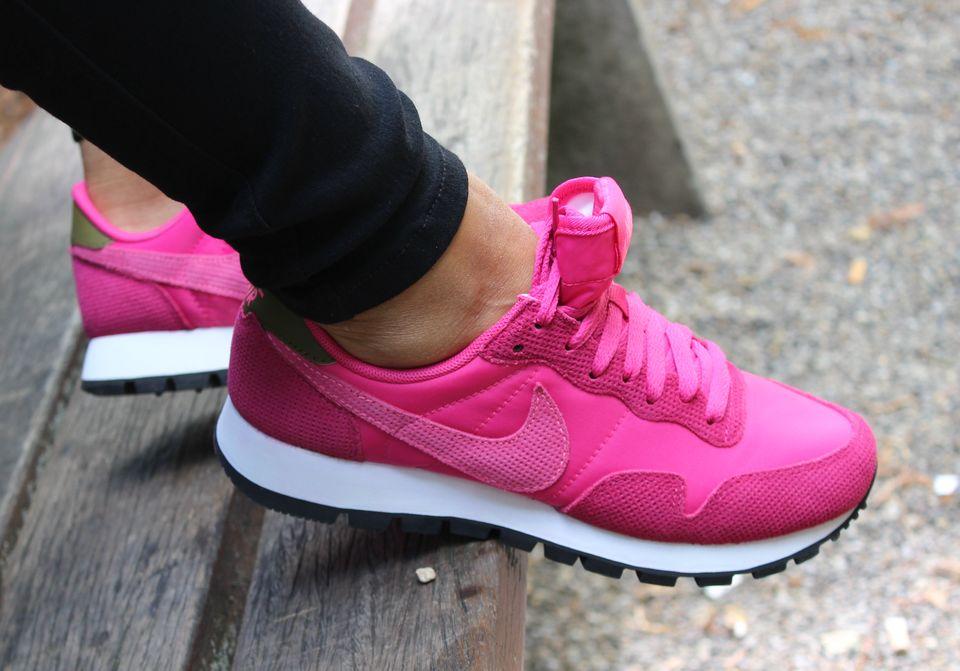 Nike Internationalist Pink