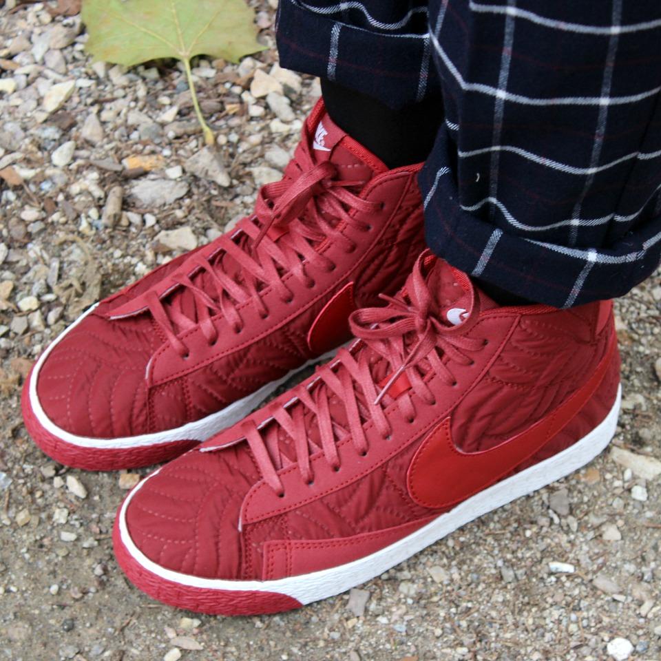 NikeSneakers