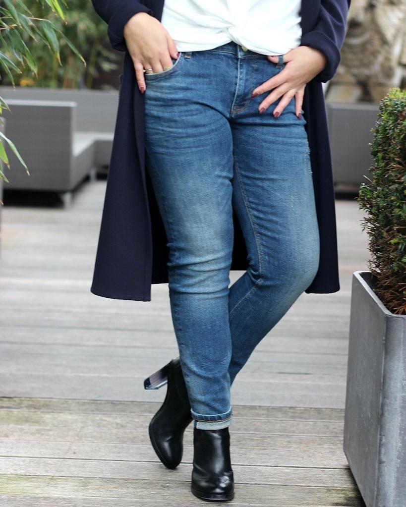 JeansDetails