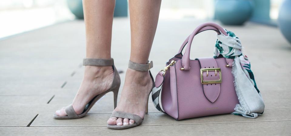 Burberry Tasche Céline Schuhe