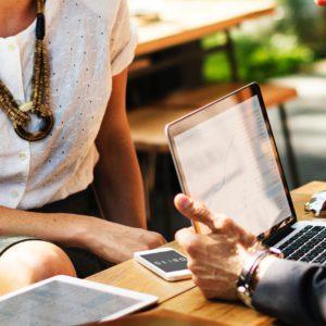 Business-Talk: Strumpfhose fürs Büro im Sommer?