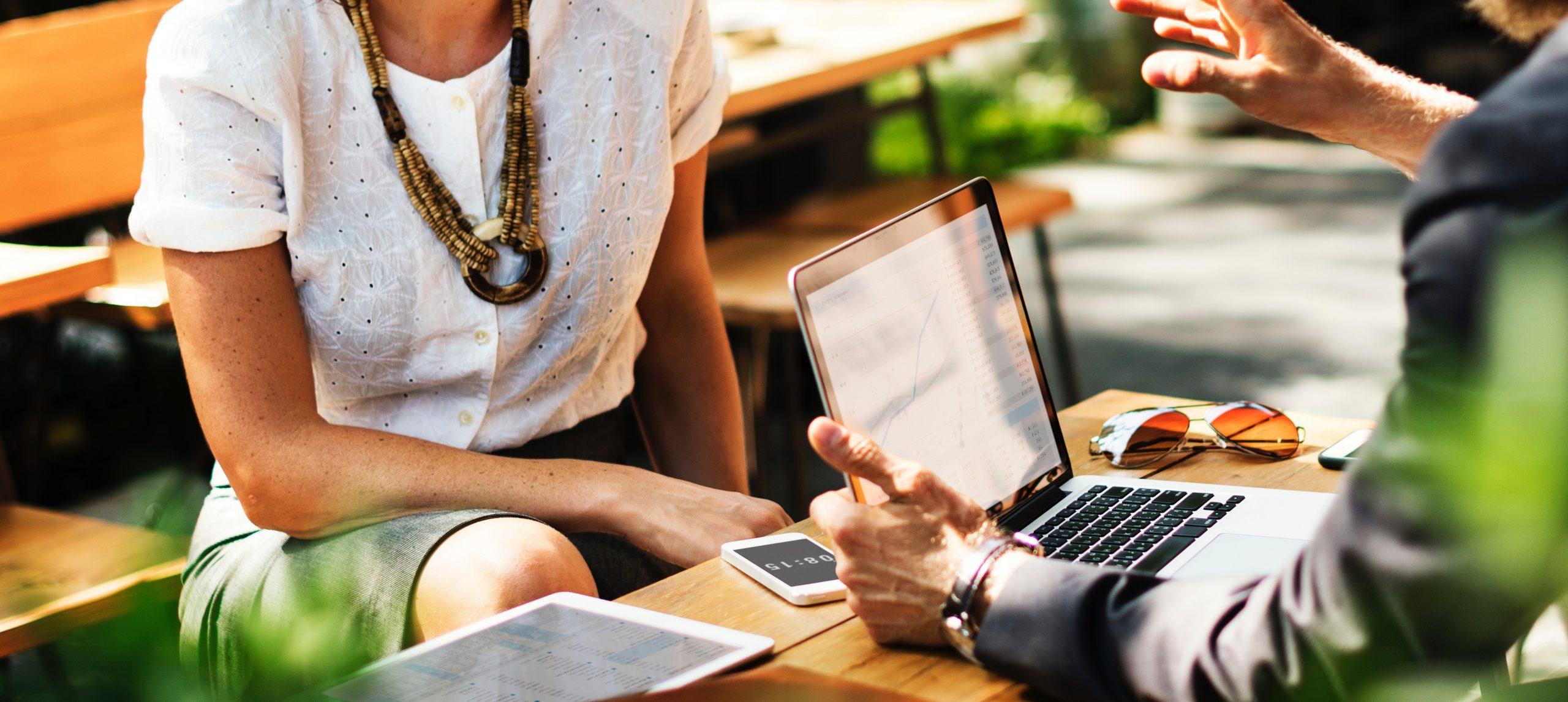 Business-Talk: Strumpfhosen im Büro für den Sommer