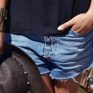 3 Stylingtipps für Shorts bei kräftigen Oberschenkeln
