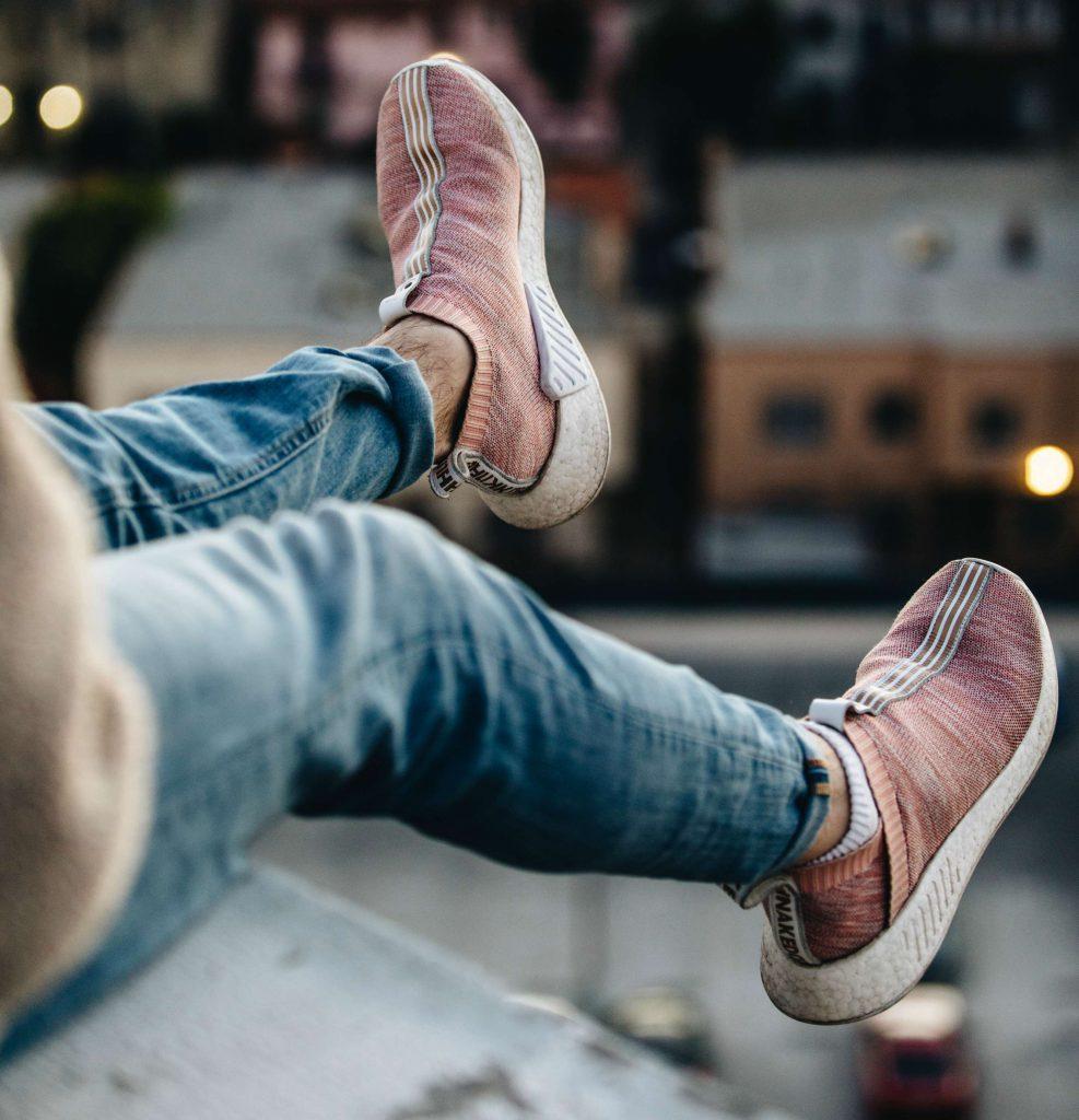 Slip on Sneaker Knöchelhoch an Person