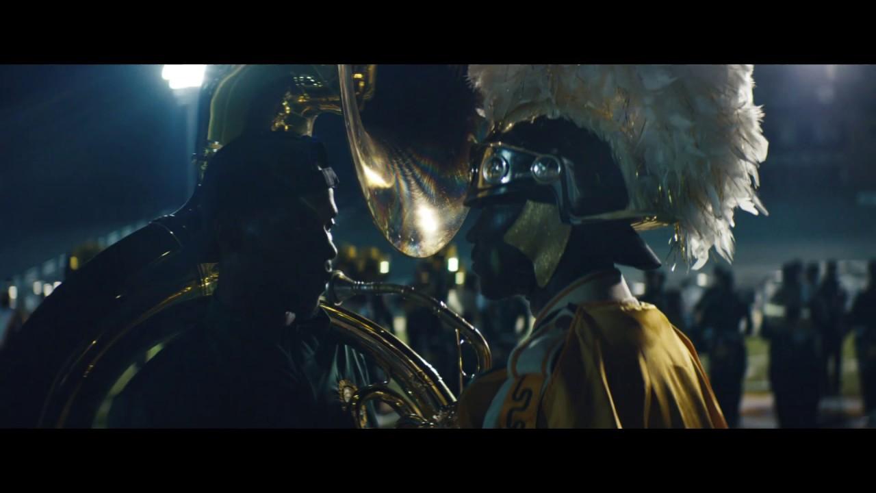 Music Monday – Justice feiert Grammy Nominierung mit Mega Video