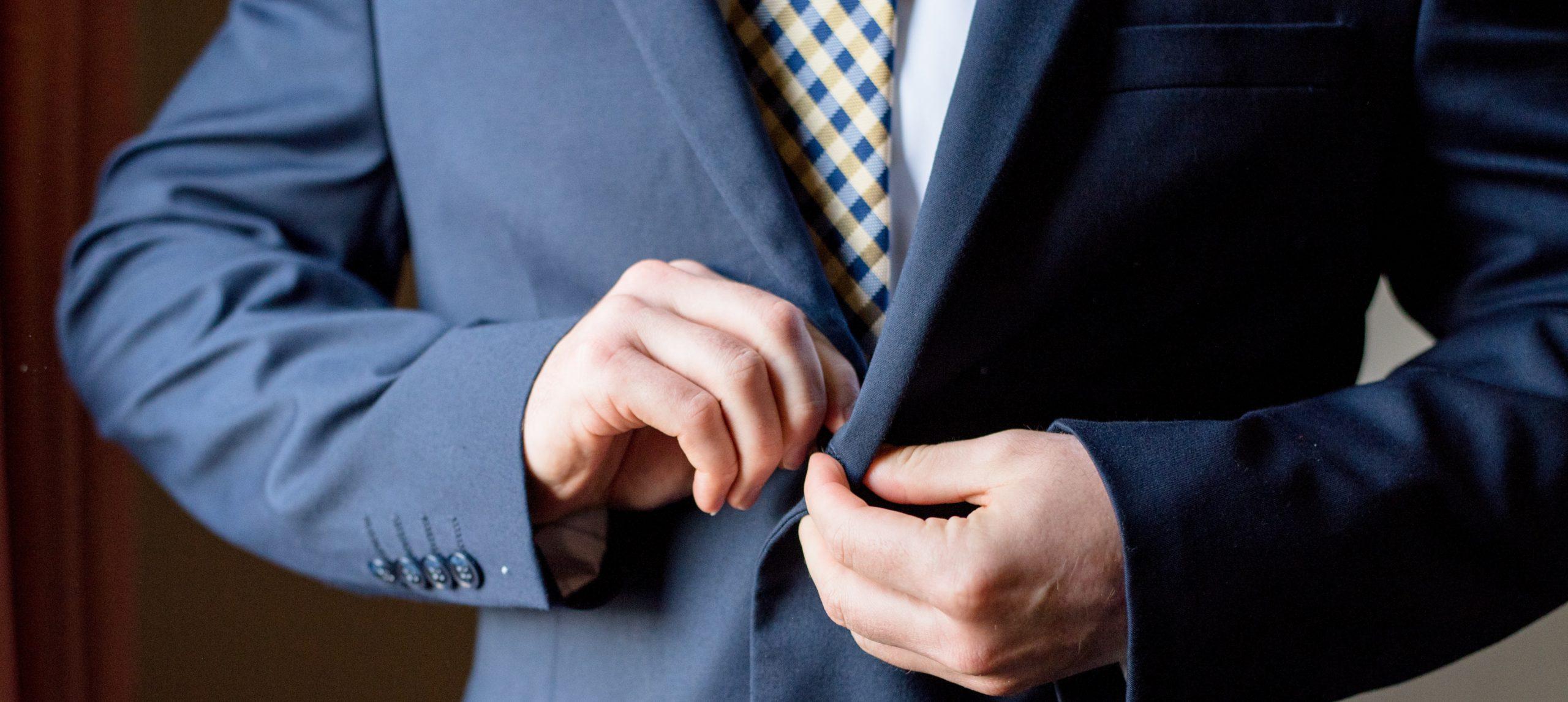 Blauer Anzug – Welche Krawatte passt dazu?