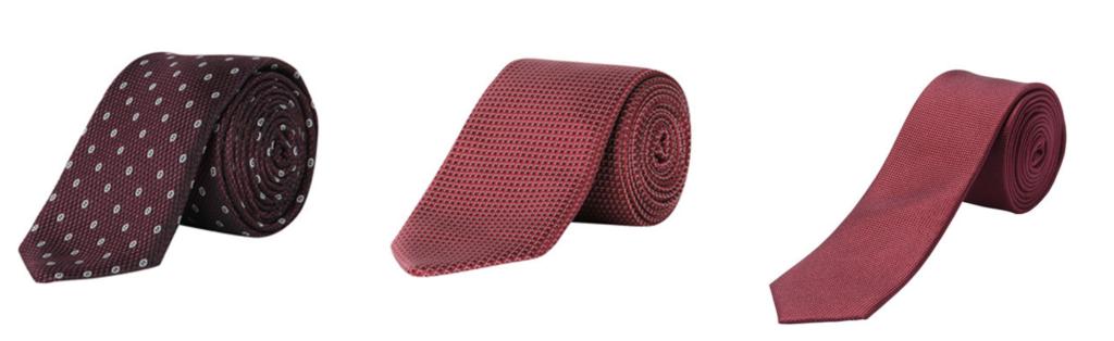 Rote Krawatte zu blauem Anzug