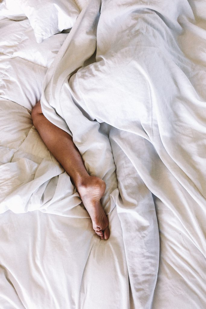 Schlafen im Pyjama
