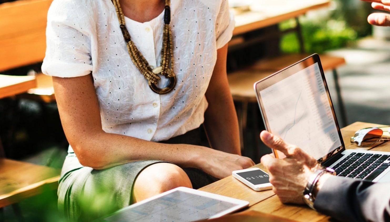 Business-Talk: Strumpfhosen im Büro für den Sommer?