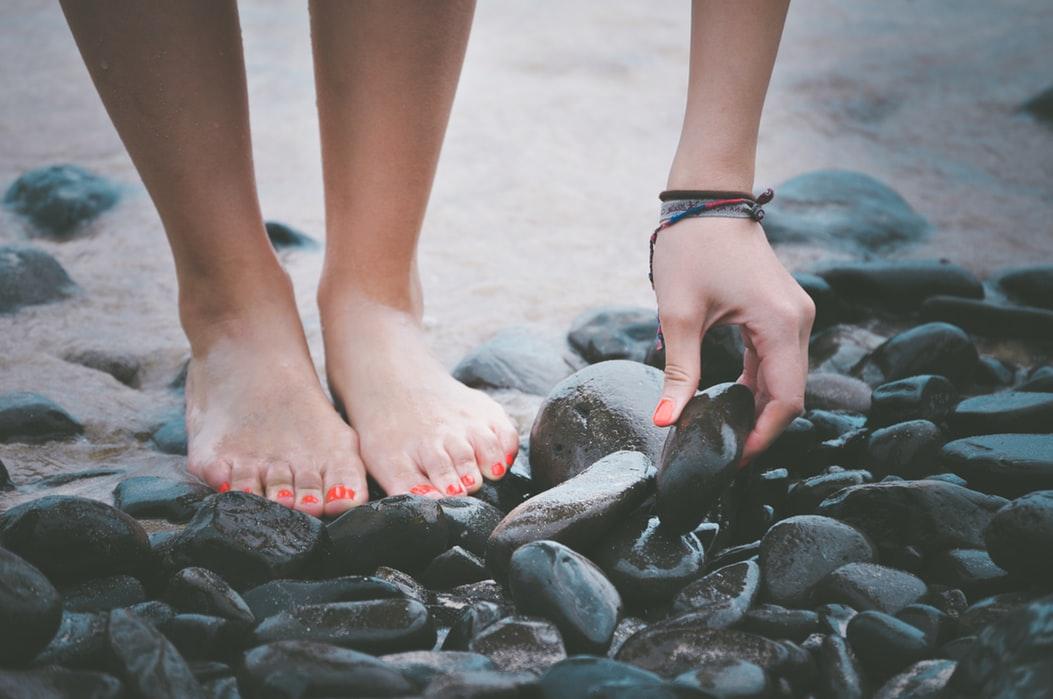 flache Schuhe - barfuß