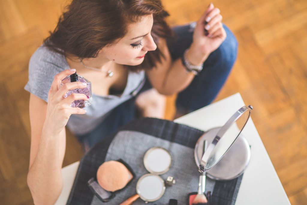 Make-Up schminken