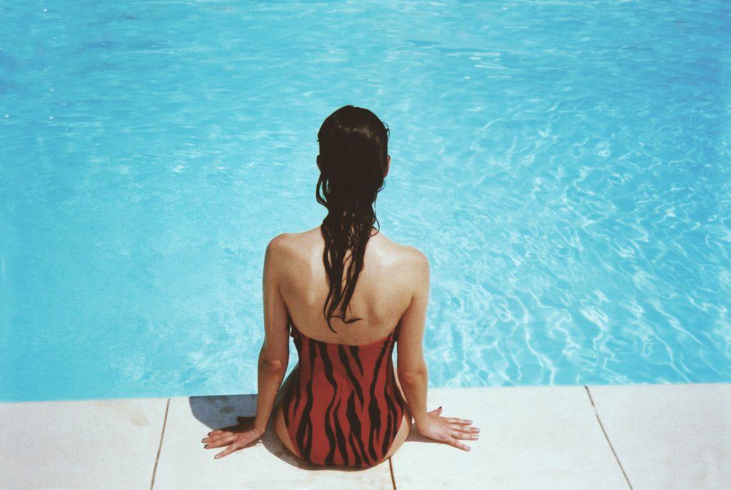 Fashion No Go's Schmuck am Pool