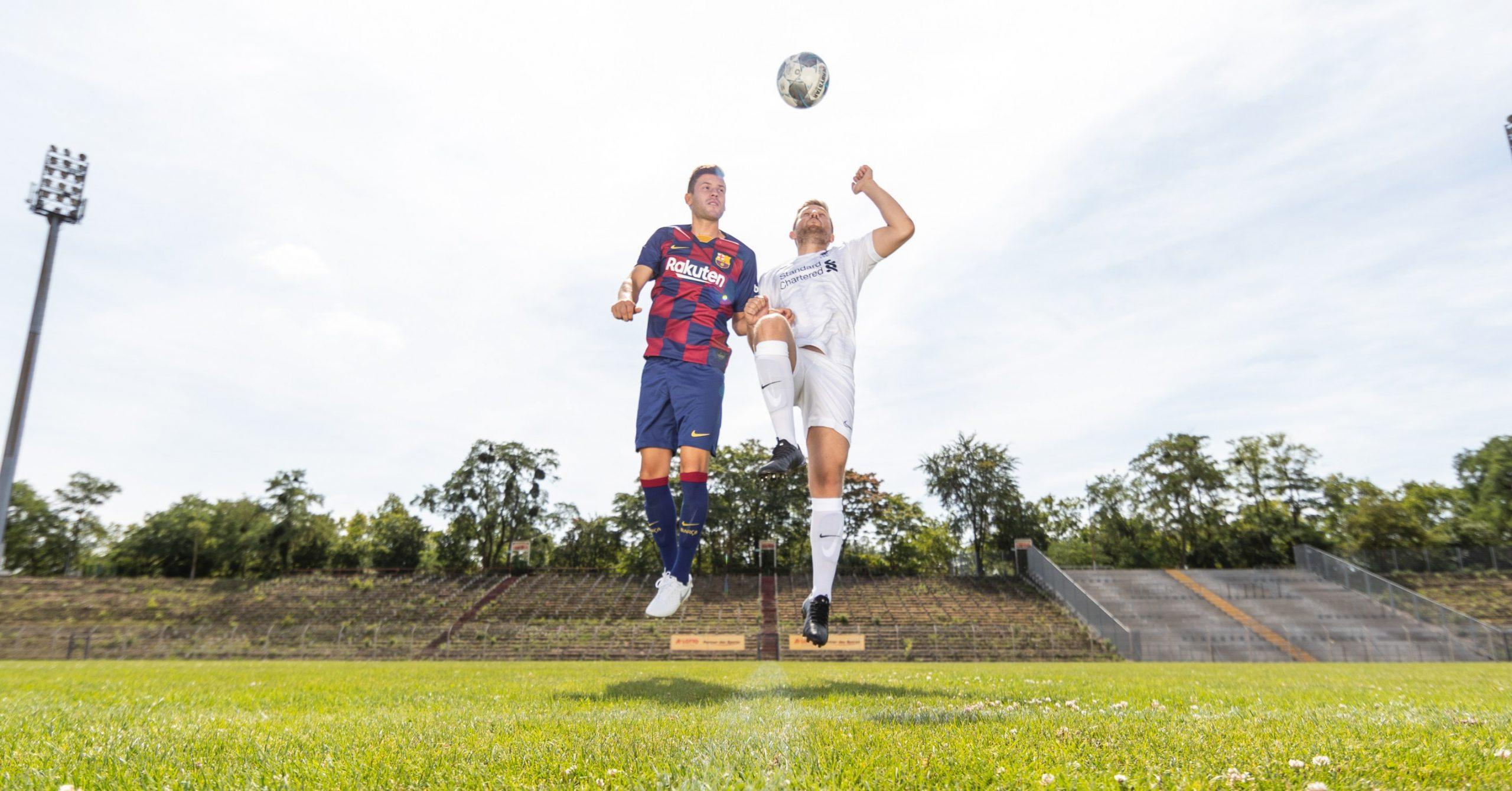 Immer am Ball bleiben – Trainingstipps von Fußballprofi Nico und Freestyler Max
