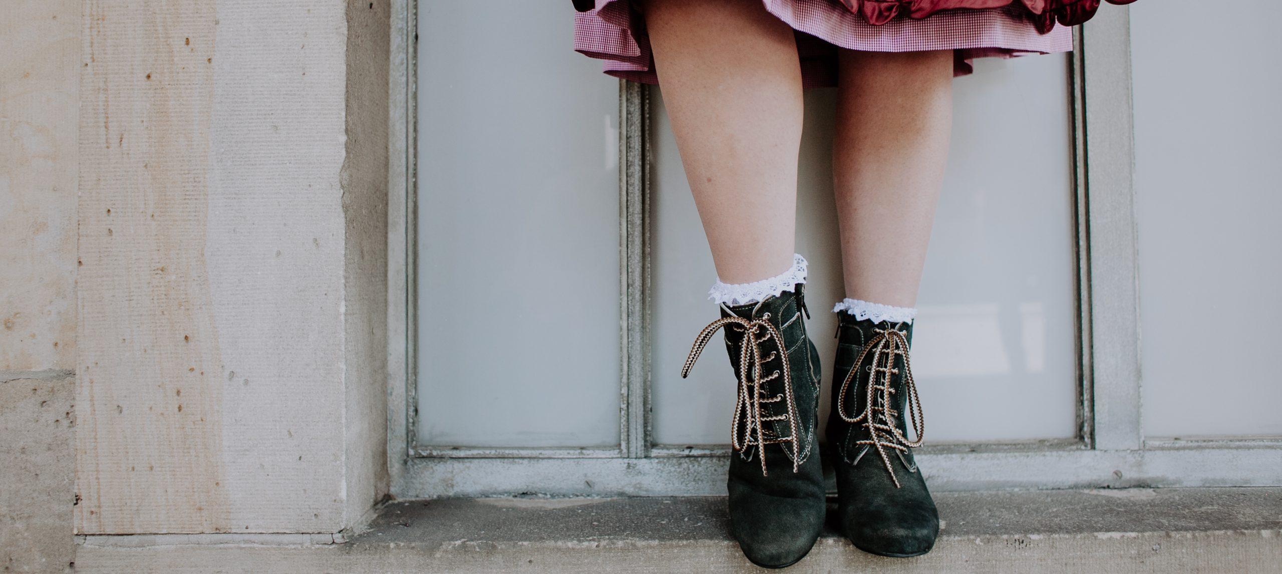 Dirndl-Knigge – Die richtigen Schuhe zur Tracht