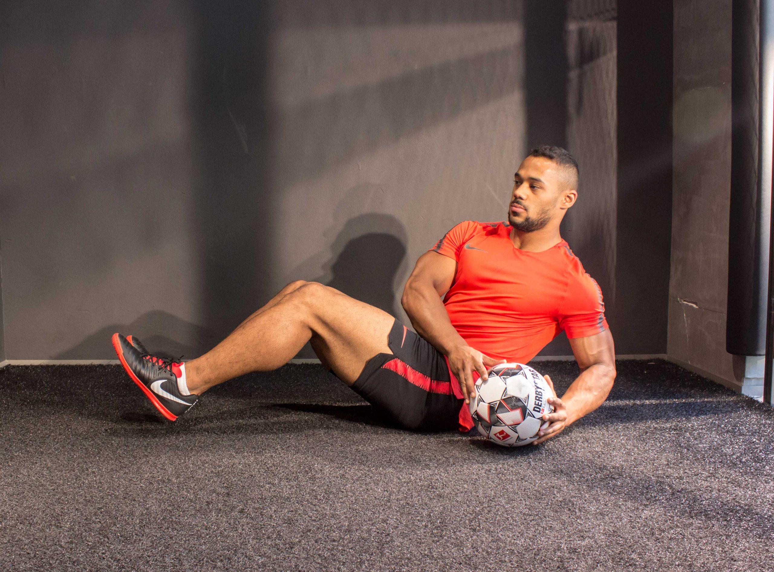 10 Minuten Power-Zirkel mit Fußball