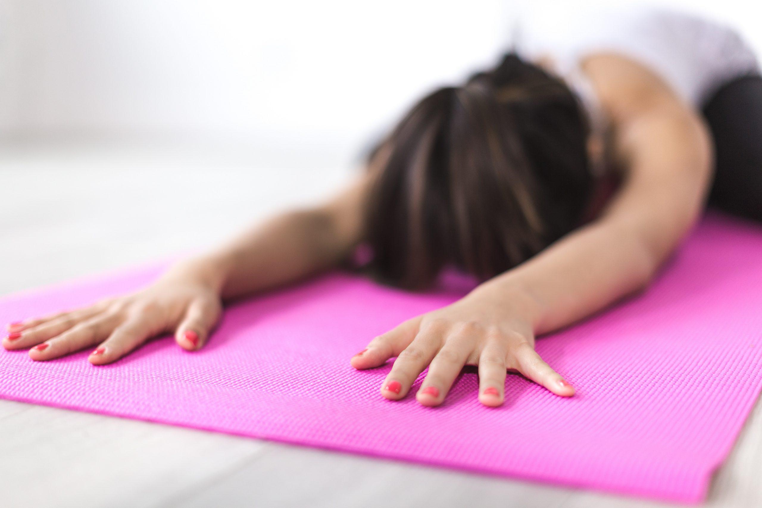 5 Yoga Übungen für eine entspannte Haltung