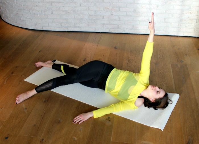 Bedtime Yoga: 7 Übungen für einen entspannten Schlaf