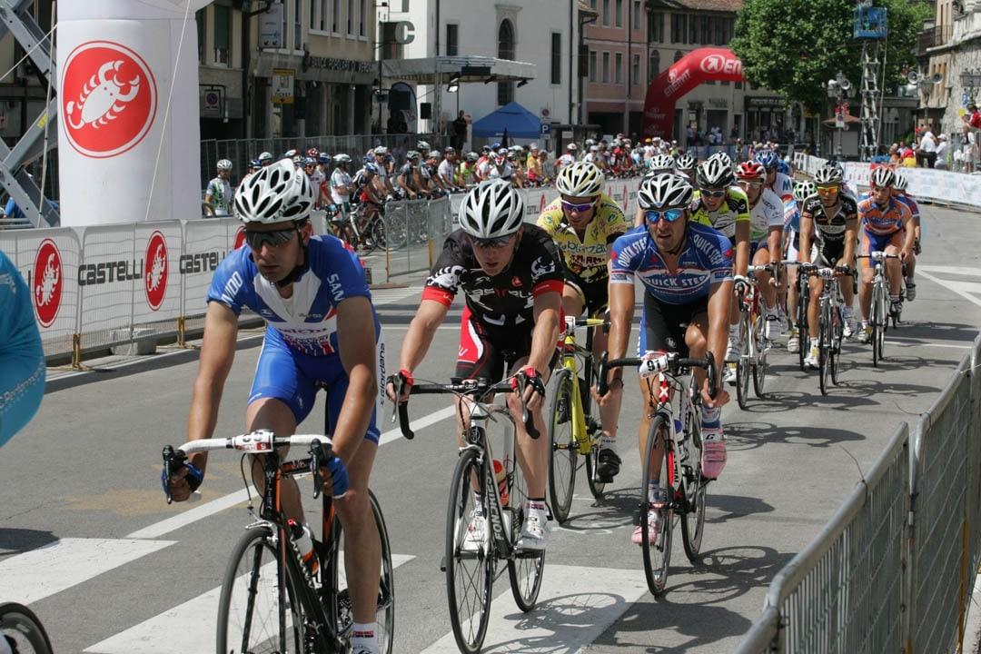 Castelli 24-Stunden-Rennen: engelhorn sports braucht dich!