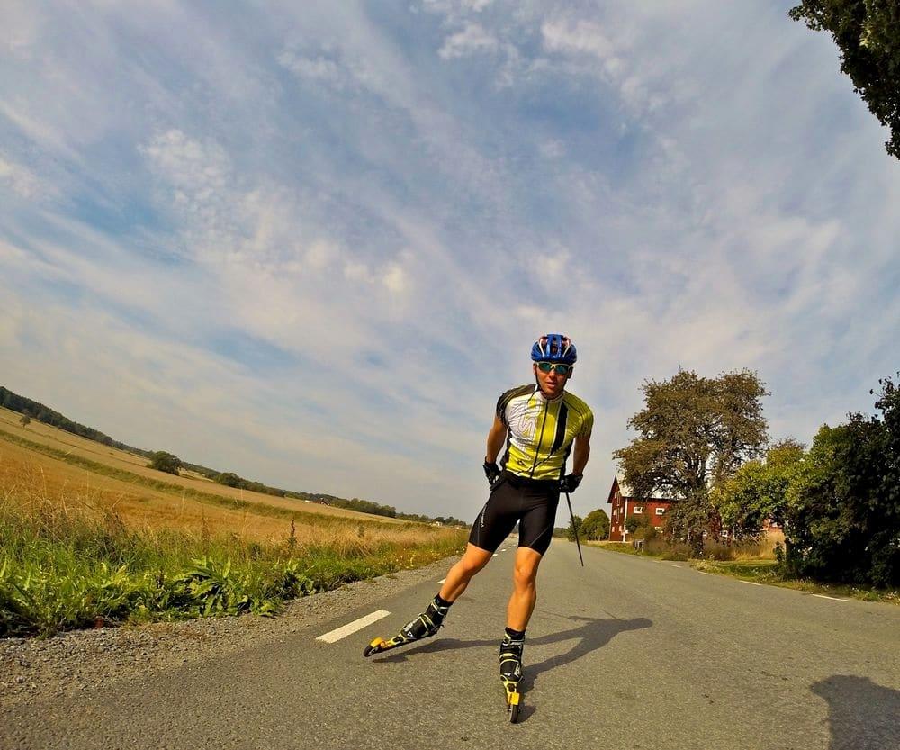 Das Fischer-Nordic-Racing-Team: Erste Schneekilometer in der Halle