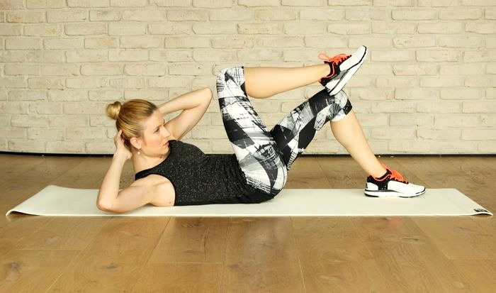 Earn your shower: 6 Minuten Morning HIIT-Workout