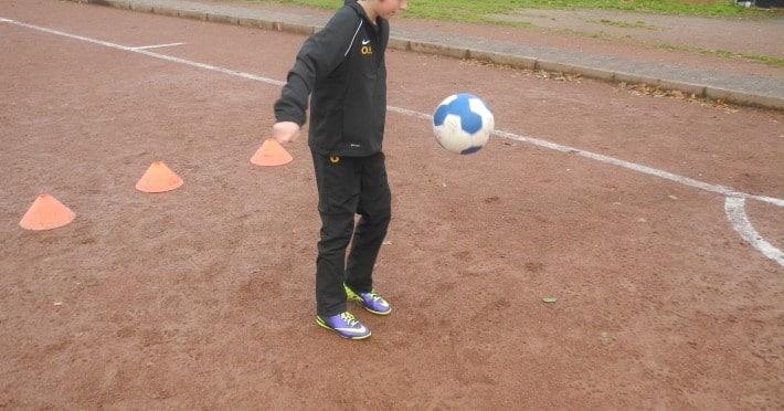 Ein Kinder Fußballschuh im Test: der Nike Mercurial Victory IV TF Junior