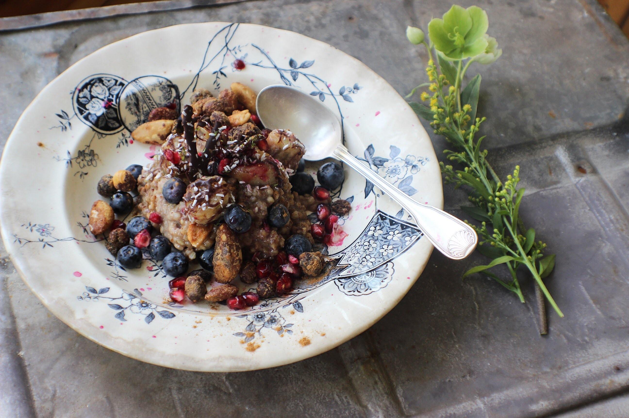 Buchweizen Porridge Früchte Obst gesund Sportler Fitness
