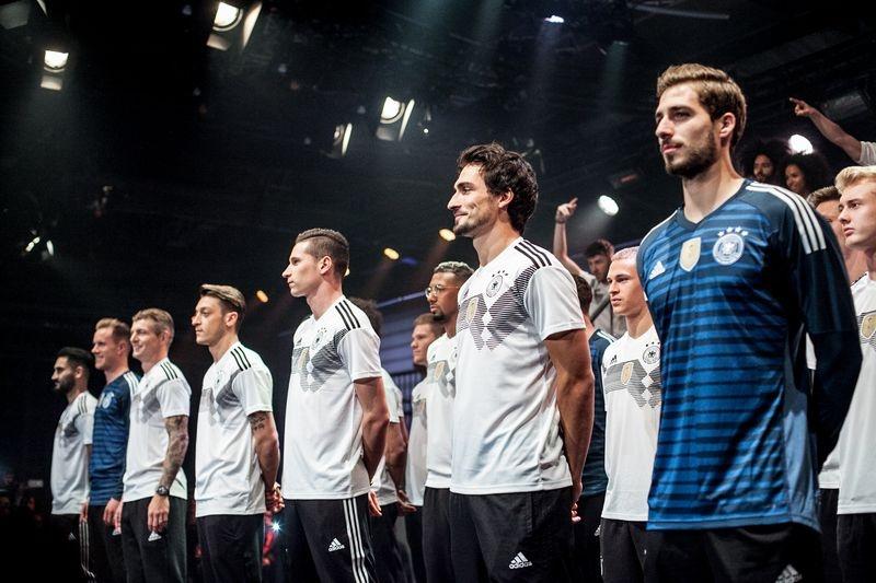 Football Base Berlin: Zu Gast beim Launch des DFB Trikots zur WM 2018