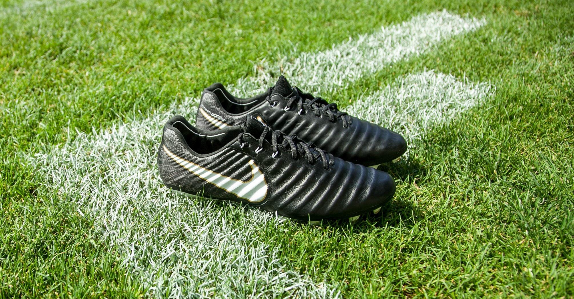 Fußballschuhe kaufen: Welcher Schuh für welchen Platzbelag?