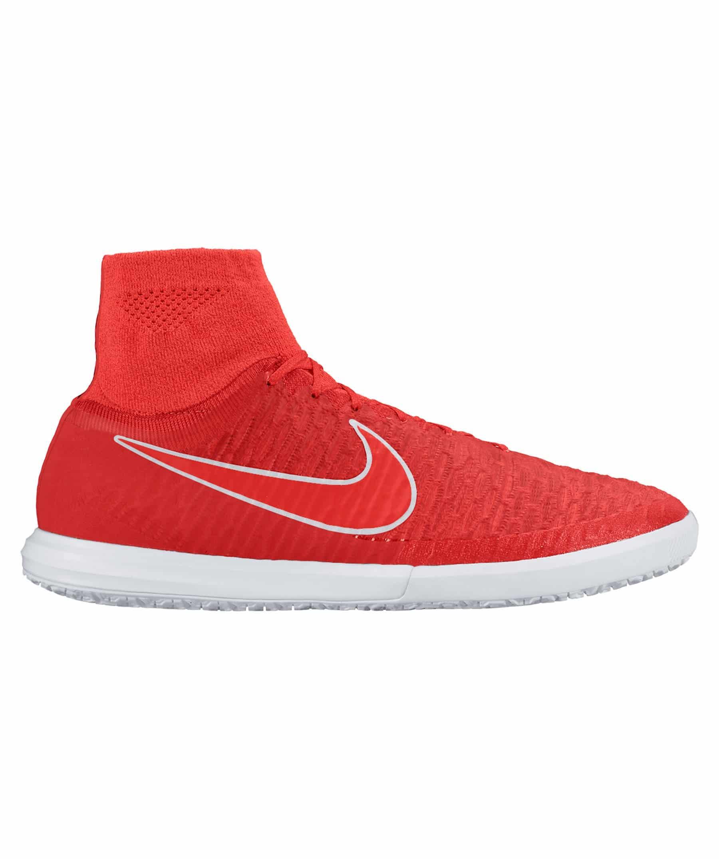 Futsal & Hallenfußball – So findest du das passende Schuhwerk